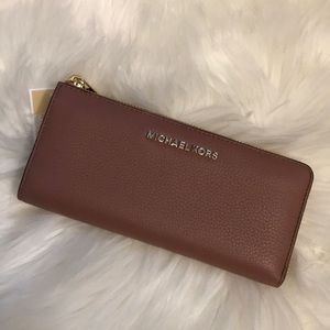 NWT Michael Kors large 3/4 zip wallet PRICE FIRM